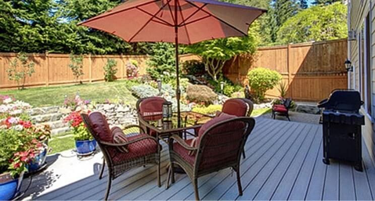 Blog-Imagen-Exteriores-con-decks-de-madera-para-casas-de-fin-de-semana-patio-jardin-Homedressing-Jun20-V1.jpg